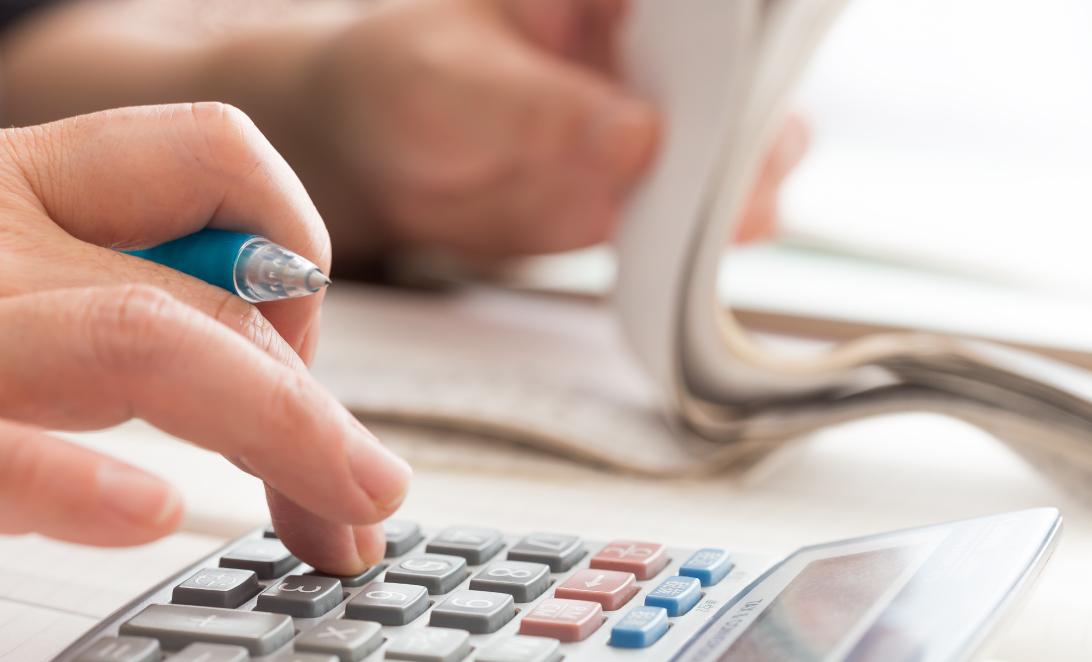 会計を電卓で計算
