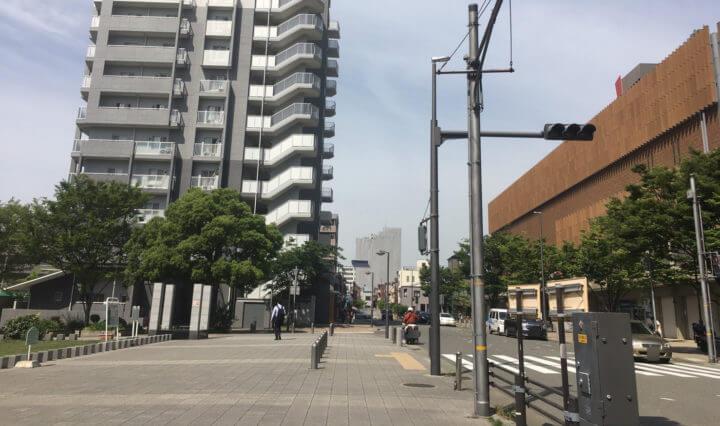 六甲道南公園の北側の道
