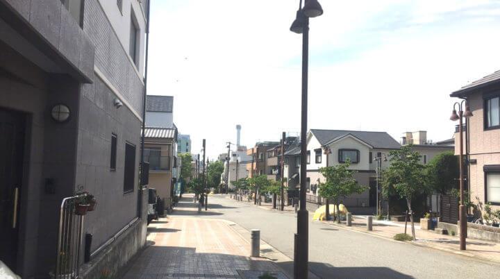 ファンウォールの前の道1