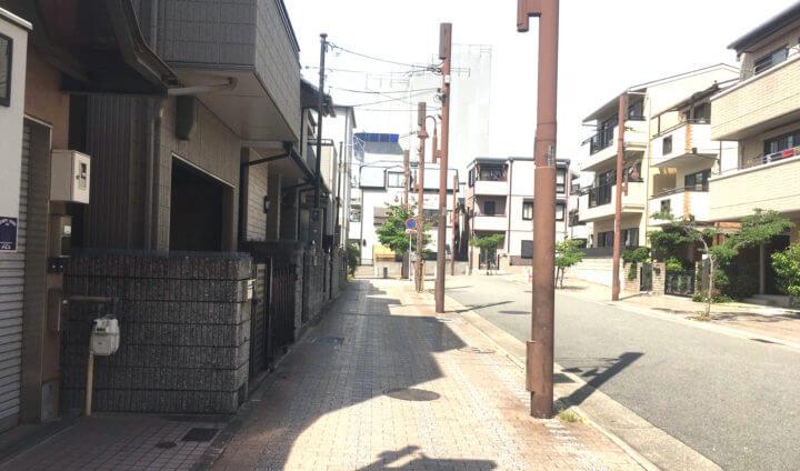 六甲道南公園から事務所への通り道1