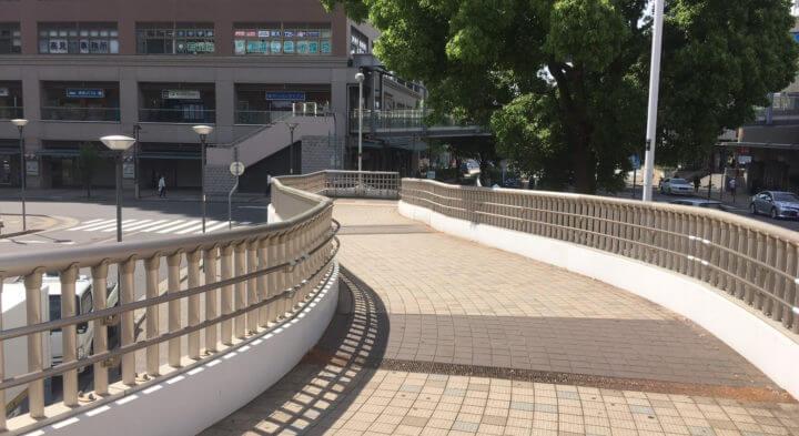 JR六甲道駅の歩道2
