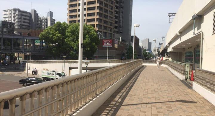 JR六甲道駅の歩道