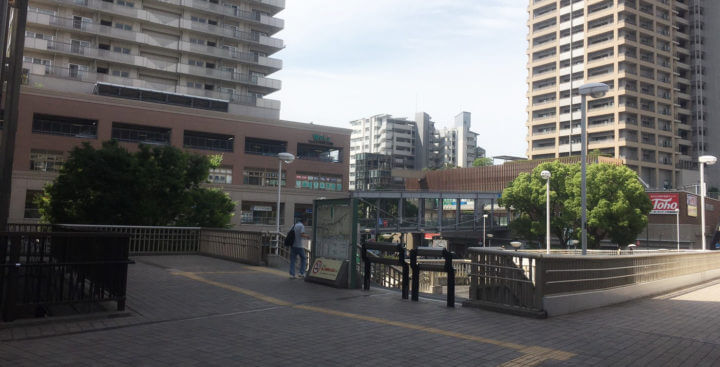 JR六甲道の南口を出たところ