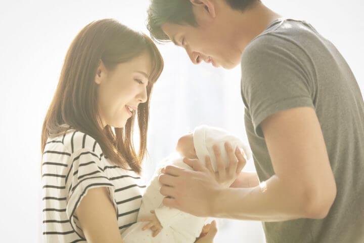 未婚の夫婦とその子供