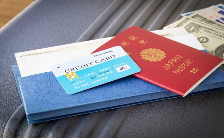パスポートとクレジットカード